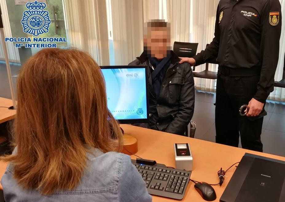 Va a renovar el DNI en Logroño y lo detienen por robos en Málaga