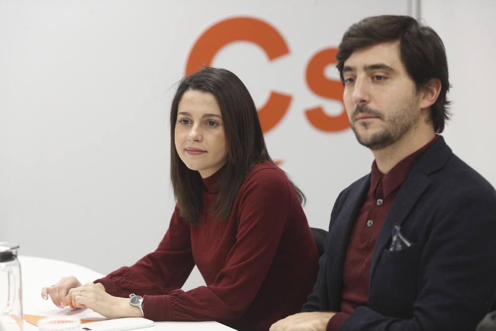 Ciudadanos moviliza a sus simpatizantes en internet con un concurso para irse de cañas con Arrimadas y Toni Roldán
