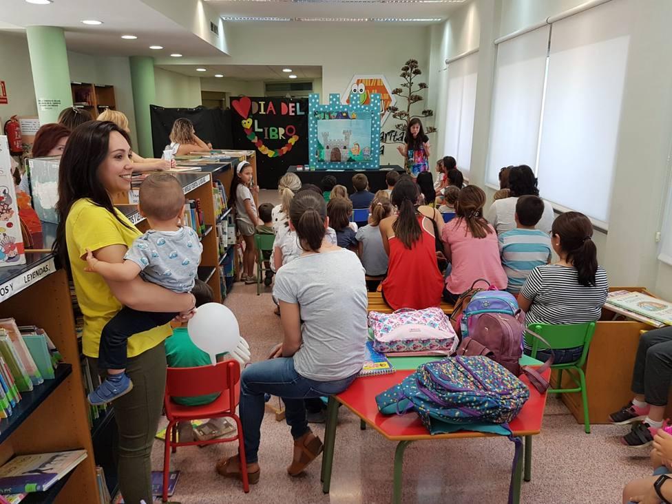 La Red Municipal de Bibliotecas de Puerto Lumbreras fomenta la igualdad entre los más pequeños