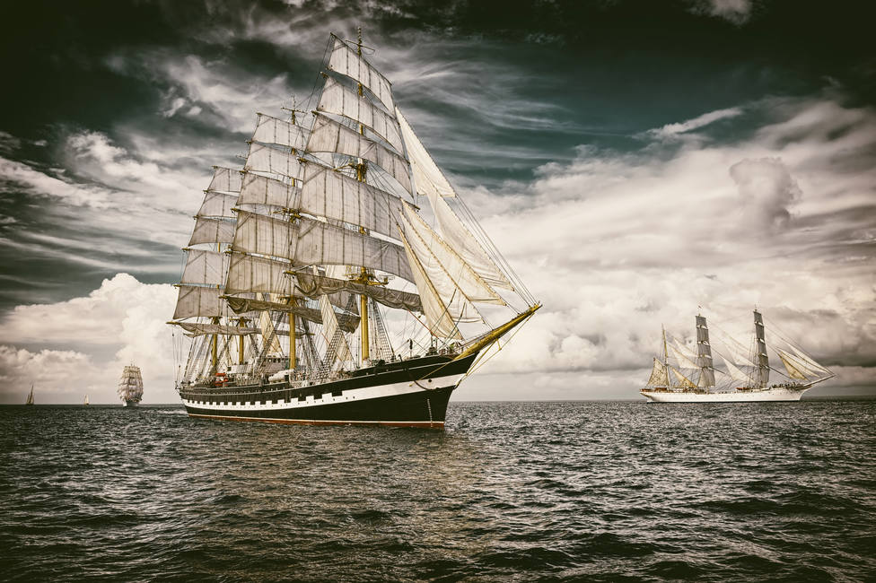 Sailing ship. Toned image and blur. Retro style postcard. Sailing. Yachting. Travel - Imagen
