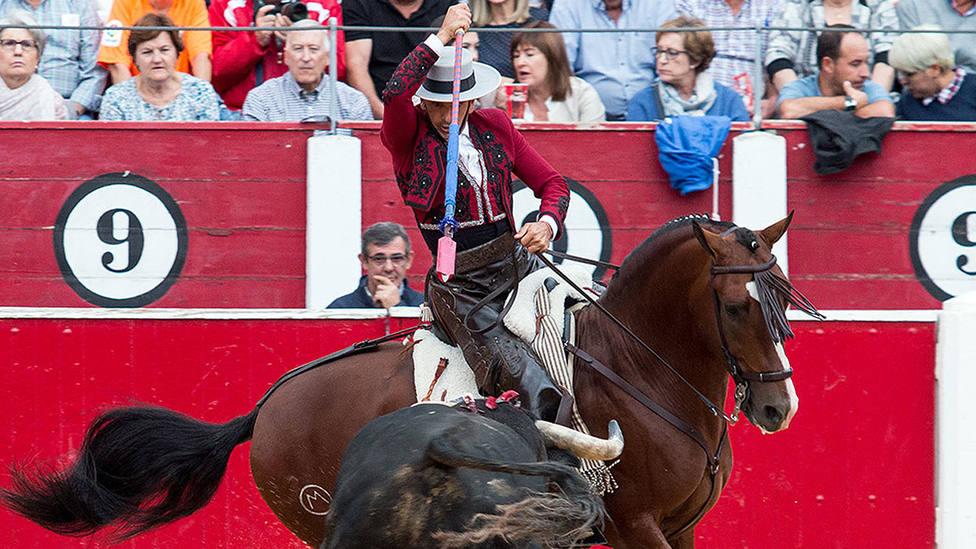 Diego Ventura y uno de los rejones de castigo utilizados durante este sábado en Albacete