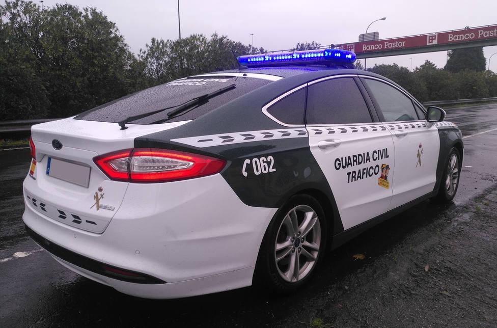 Foto de archivo de un vehículo de la Guardia Civil de Tráfico de Ferrol