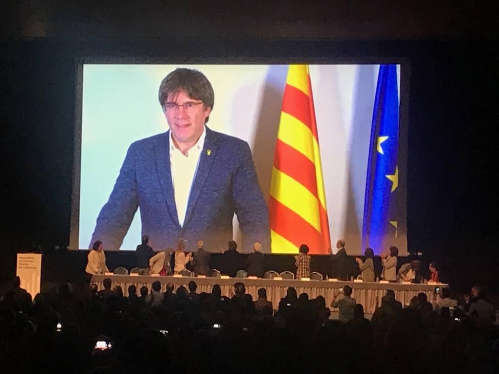 Un juez de Barcelona investiga si una trama corrupta costeó los gastos de Puigdemont en Waterloo