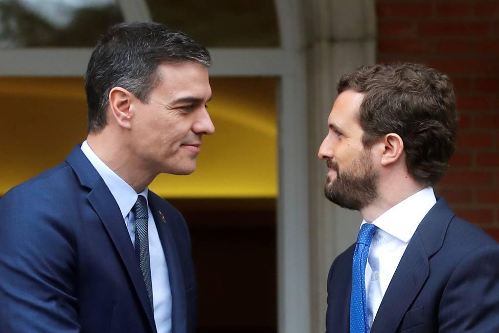 Sánchez y Casado se reúnen con la incógnita de si el PP apoyará la prórroga