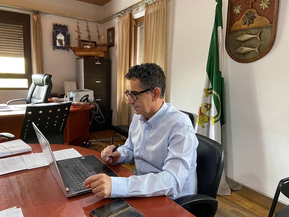 Cádiz.- Ayuntamiento de Barbate y Puertos de Andalucía trabajan para implantar la marca Pescado Azul de Barbate