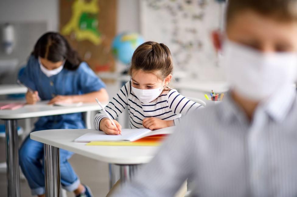 El 56% de padres llevaría a clase a sus hijos en la situación actual
