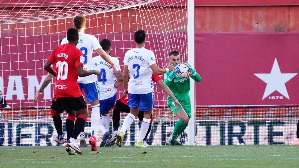 Posible alienación indebida del Alcrocón; la Ponfe líder; el Oviedo salva un punto con 9 jugadores