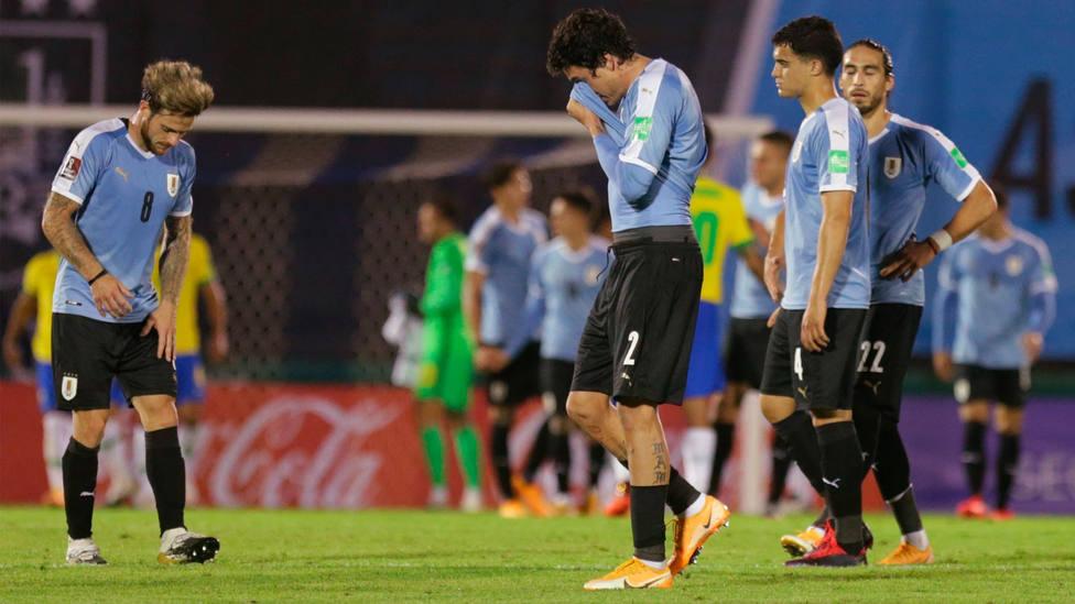 La selección de Uruguay, tras el partido frente a Brasil de clasificación para el Mundial de Catar. EFE