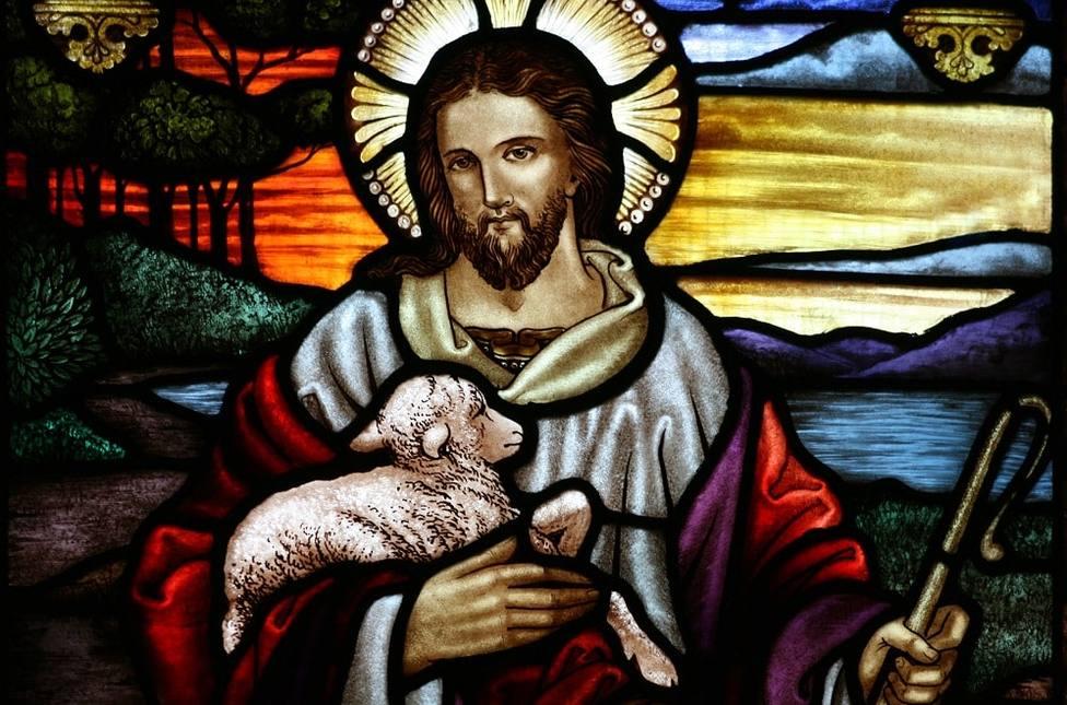 """""""Cristo ha venido como sumo sacerdote de los bienes definitivos"""""""