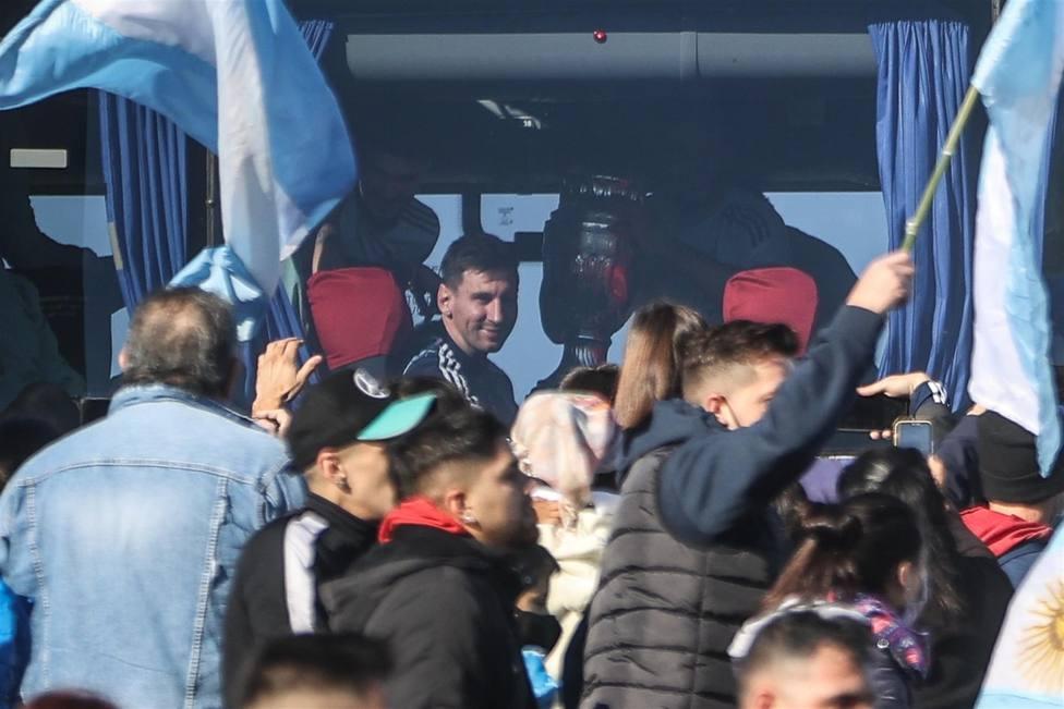 Leo Messi a su llegada a Buenos Aires tras convertirse en vencedor de la Copa América.