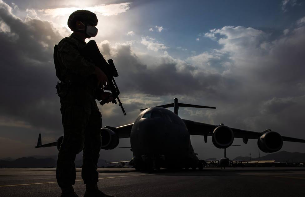 Despega de Kabul el primer vuelo con destino a Doha tras la reapertura parcial del aeropuerto