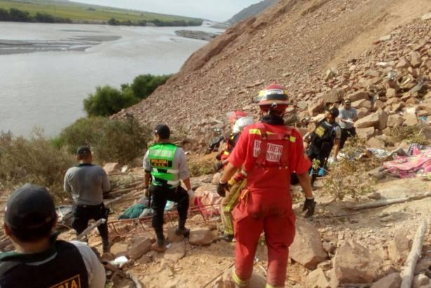 44 muertos y 24 heridos en otro accidente de autobús en Perú
