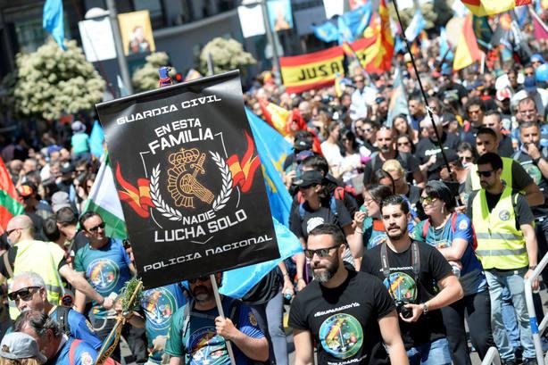 La manifestación de policías y guardias civiles en Madrid. EFE