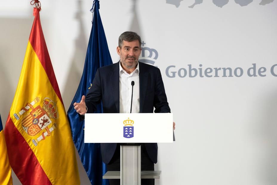 Clavijo pide a Sánchez que no juegue al cuento del lobo con las elecciones y convoque si no puede gobernar