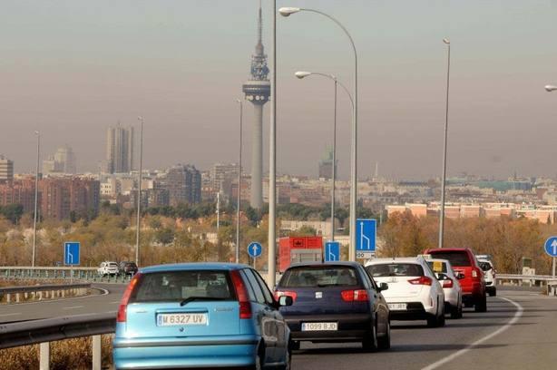 Reducir emisiones y usar energías renovables, principales soluciones de los españoles contra el cambio climático