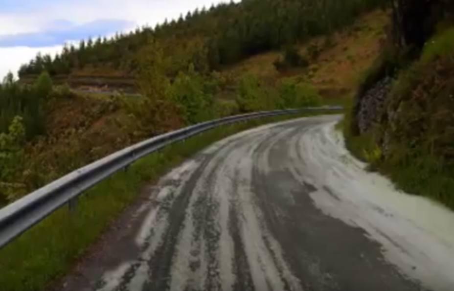 Carretera con hielo