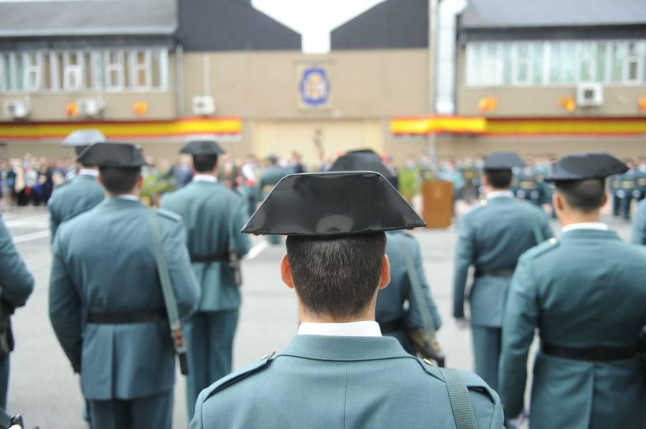 El Gobierno promete pagar 250 millones de euros de equiparación salarial a la Guardia Civil