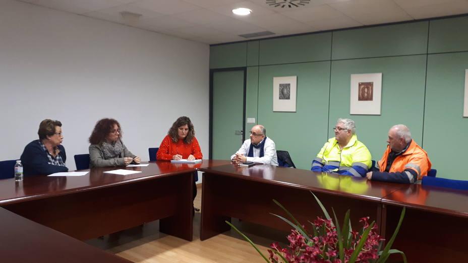 Reunión entre integrantes del gobierno de Narón y representantes de los trabajadores de Coregal