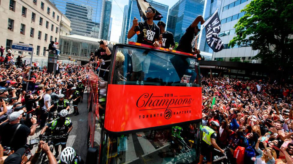 Un momento de la celebración del anillo de los Raptors en las calles de Toronto. CORDONPRESS
