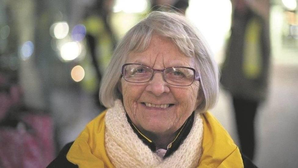 Elise, la mujer de 82 años a la que llaman la Madre Teresa de las prostitutas