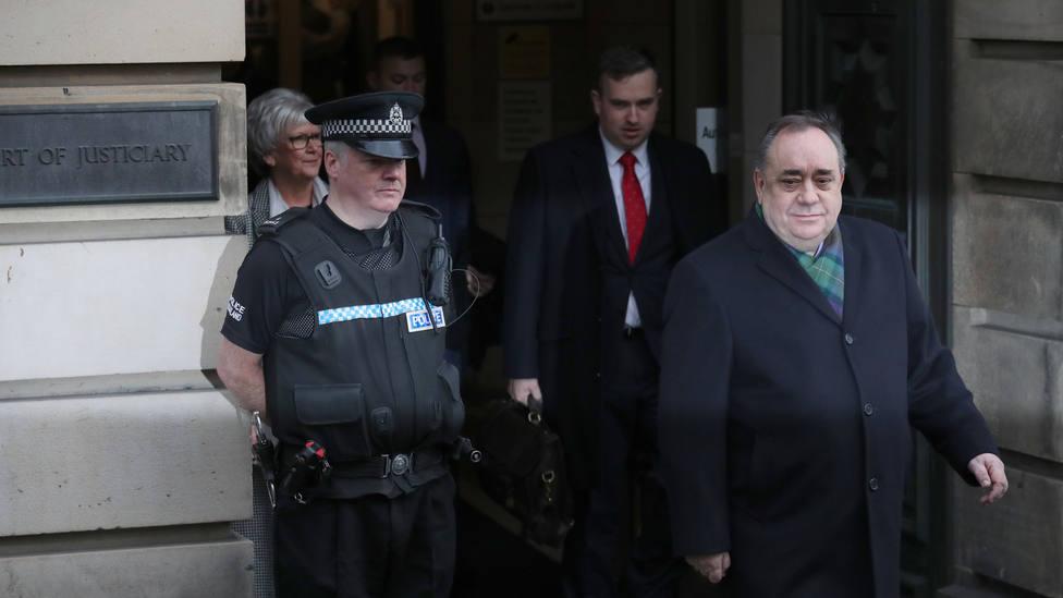 El exministro principal de Escocia comparece acusado de 14 delitos sexuales