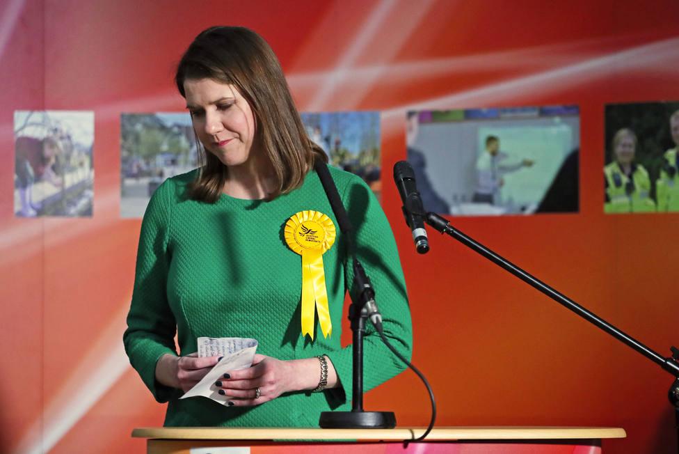 R.Unido.- Dimite la líder del Partido Liberal Demócrata tras perder su escaño en las elecciones