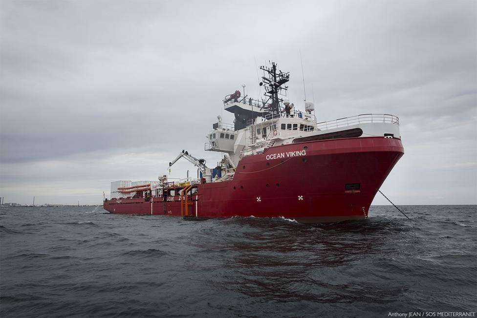 Autorizan al Ocean Viking a atracar en Sicilia tres días después de rescatar a 39 migrantes cerca de Libia