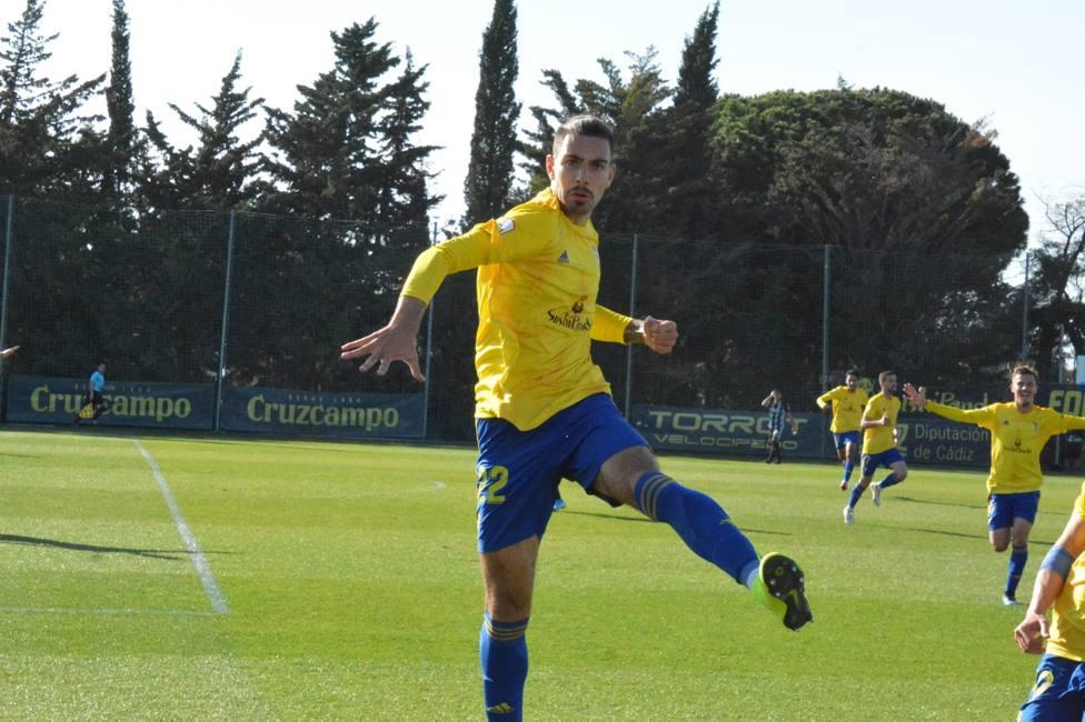 Sergi Fernandez celebrando el gol ante Cartagena. Vía Cádiz CF