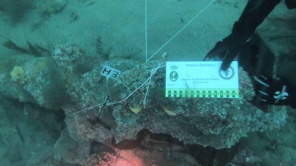 Los buceadores han encontrado los restos en aguas del interior de la ría de Ferrol