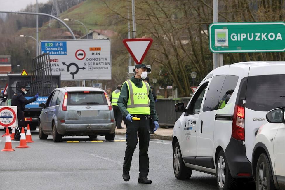 La DGT y la Guardia Civil incrementan loscontroles en carreteras para evitar desplazamientos de fin de semana