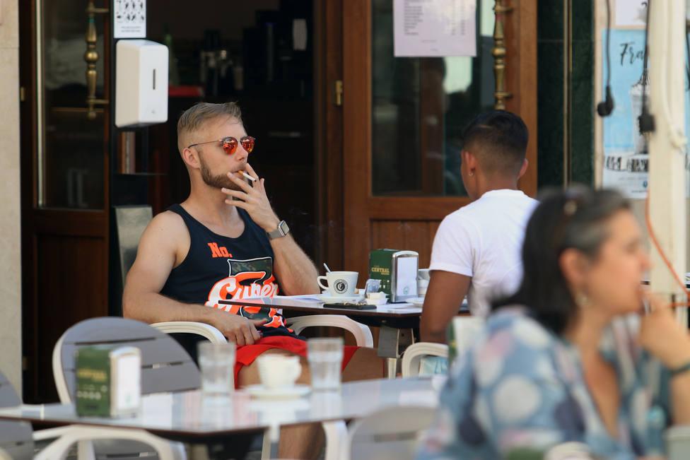 El TSJM falla a favor de la Comunidad de Madrid y permite la prohibición de fumar