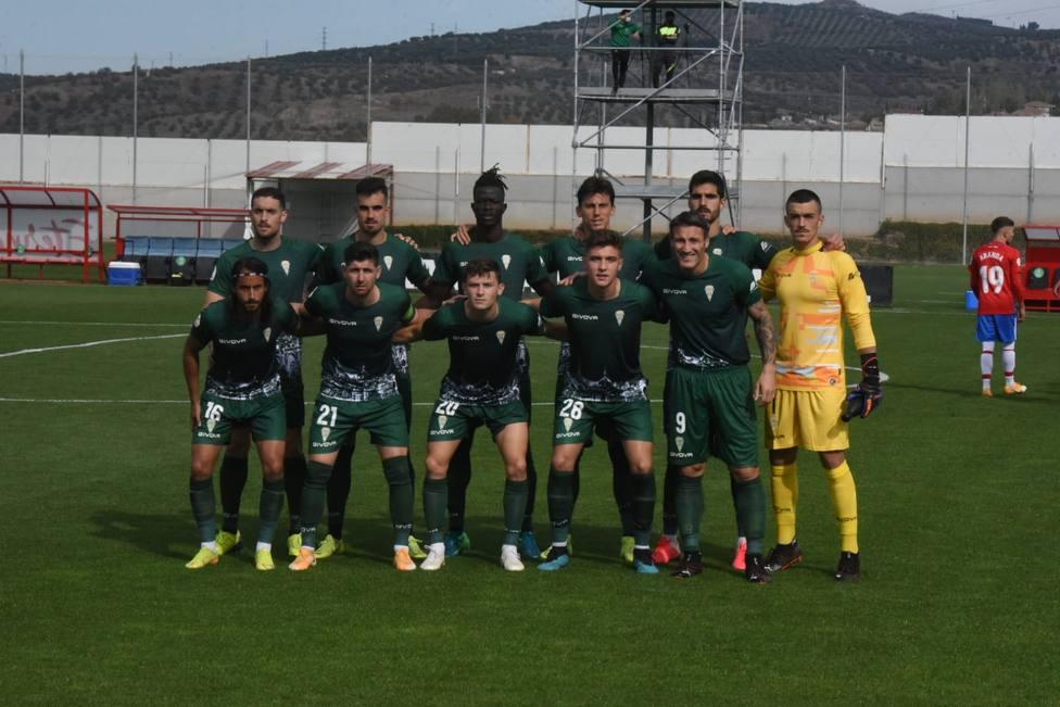 El Córdoba sestea y perdona hasta acabar cediendo un empate en Granada (1-1)