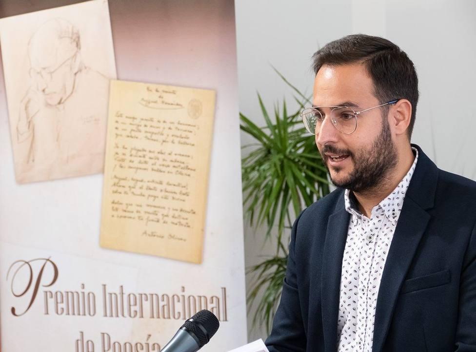Hoy se falla la XXXIV Edición del Premio Internacional de Poesía Antonio Oliver Belmás