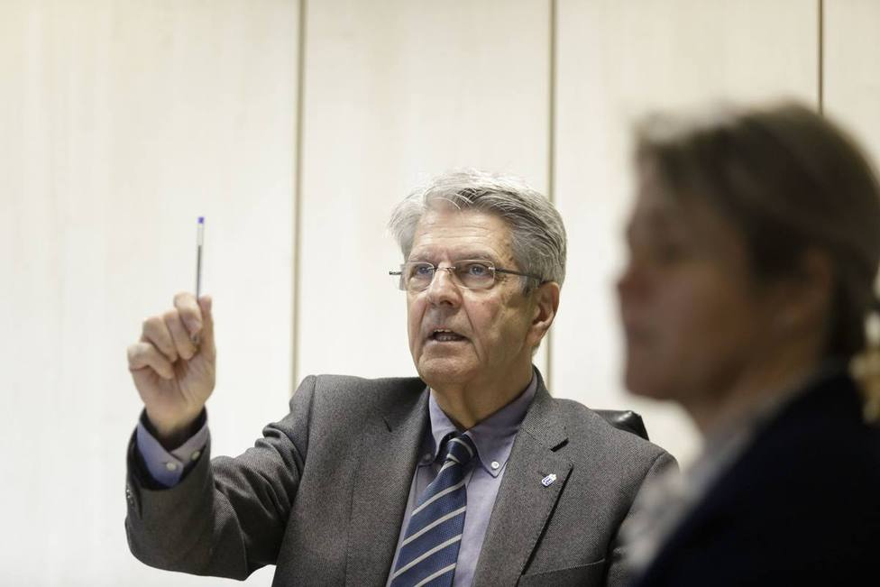 Canarias pide una política de derivaciones hacia el resto de España para compartir la carga de la migración