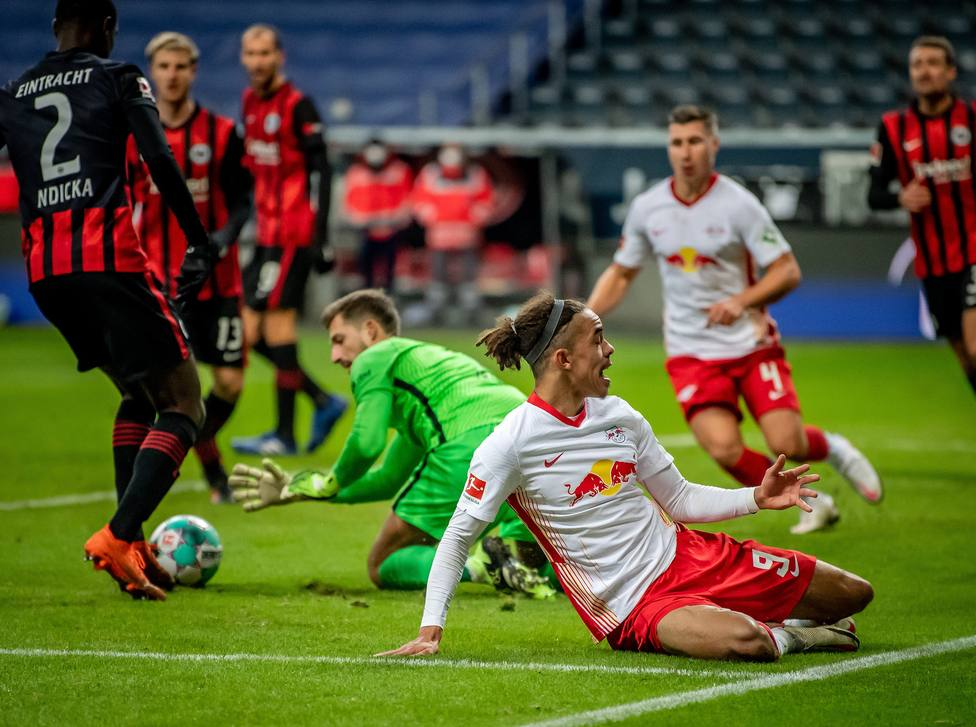 El Bayer Leverkusen sigue la estela del Bayern Munich; el Leipzig tropezó y cae a la tercera plaza
