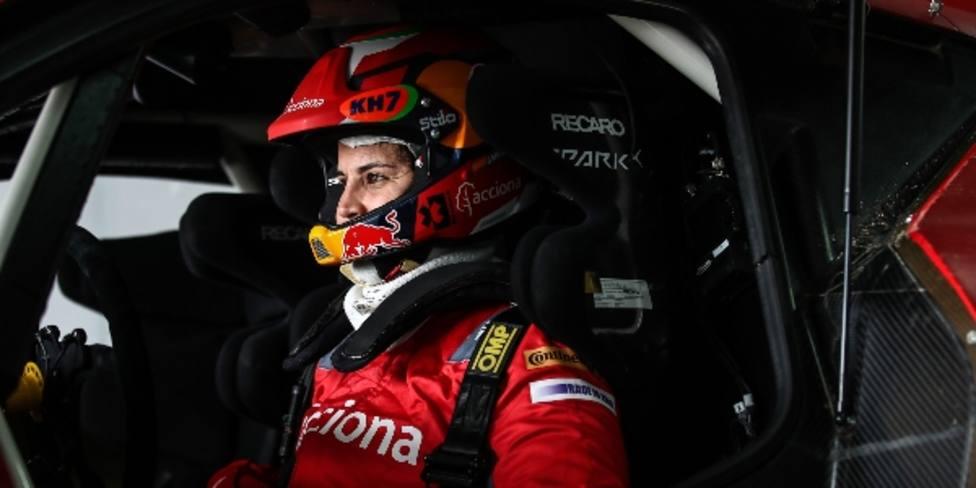 Laia Sanz debutará sobre cuatro ruedas en la Baja Dubai
