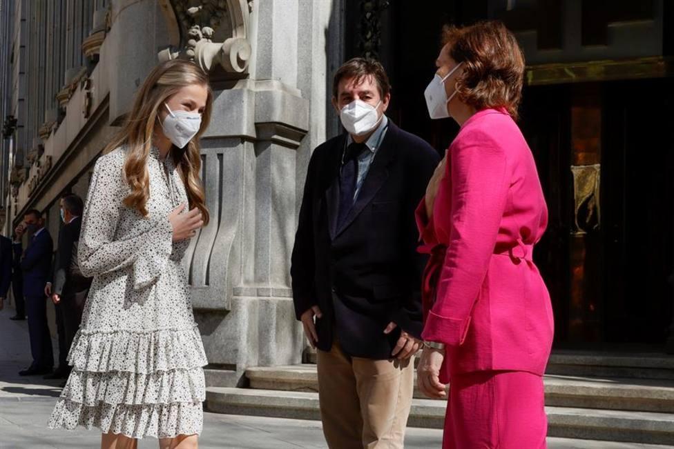 La Princesa Leonor estrena agenda en solitario con el sencillo vestido que lució en los Princesa de Asturias