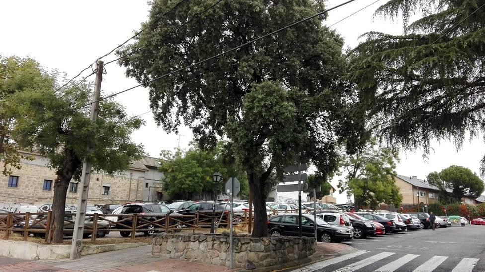 Parcela en la que se construiría el aparcamiento de la estación de tren de Torrelodones