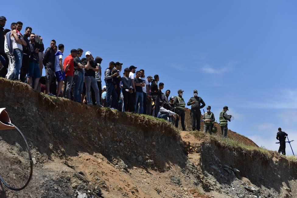 Varios grupos de inmigrantes abandonan Ceuta y vuelven a Marruecos voluntariamente