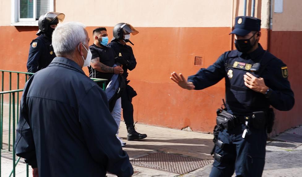 Uno de los detenidos durante la operacio?n de la Polici?a Nacional contra el tra?fico de armas en Valladolid