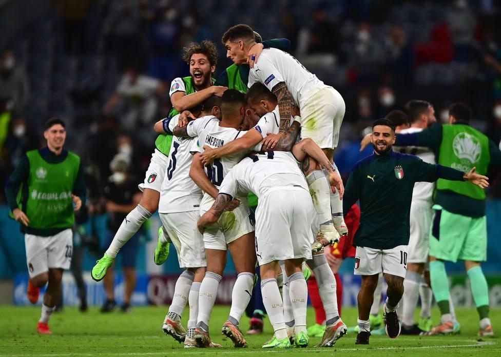 La selección italiana celebrando su victoria frente a Bélgica en cuartos de final (EFE)