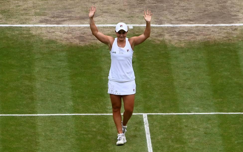 Asleigh Barty celebrando su victoria ante Pliskova en la final de Wimbledon