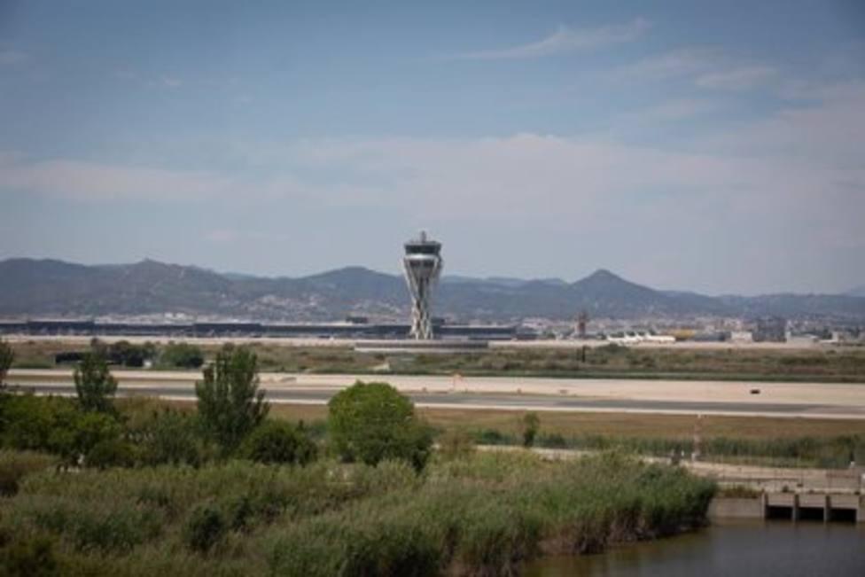 La Policía Local del Prat investiga un incendio en el ámbito de ampliación de la tercera pista del aeropuerto