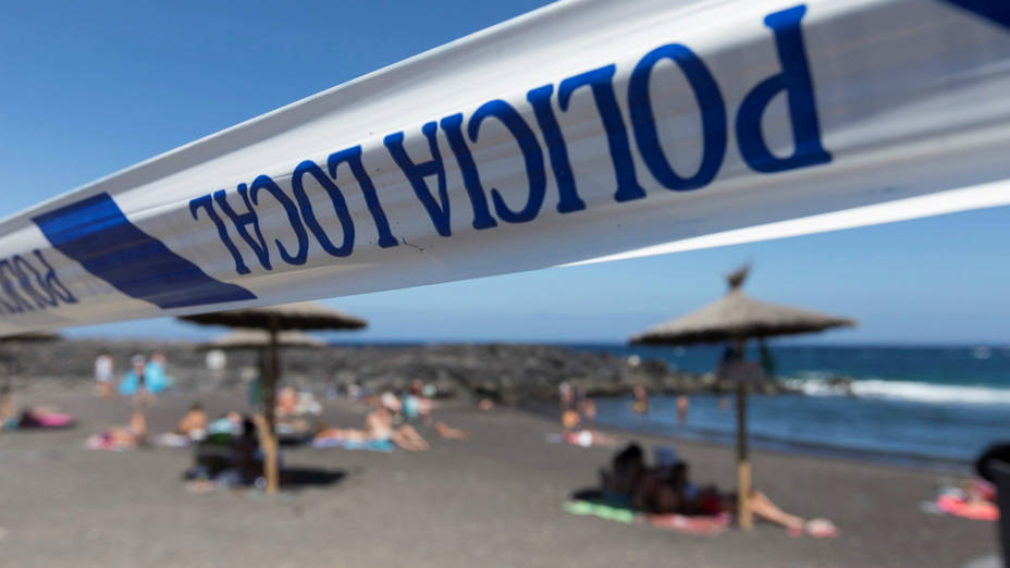 Hallan un cadáver en una playa de Salobreña (Granada)