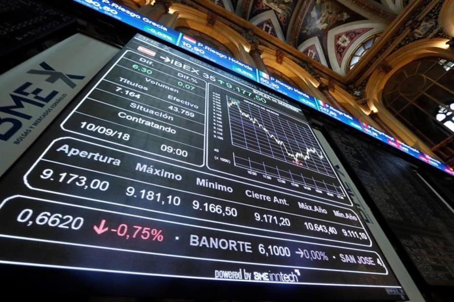 La Bolsa intenta frenar la sangría bajista, pero los inversores se limitan a ver los toros desde la barrera