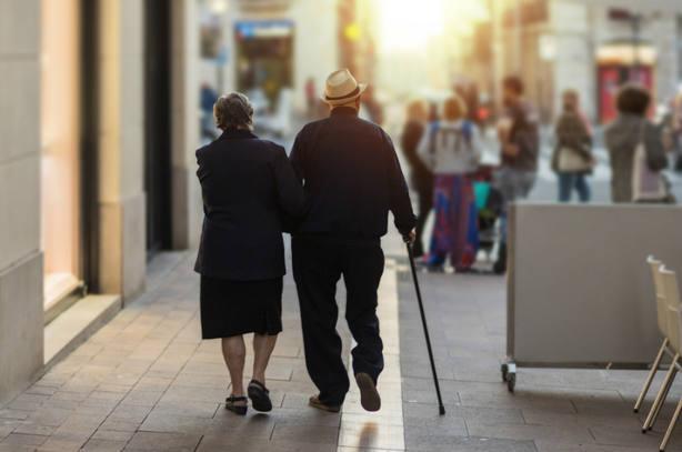 La OCDE pide que sólo los jubilados puedan cobrar pensiones de viudedad permanentes