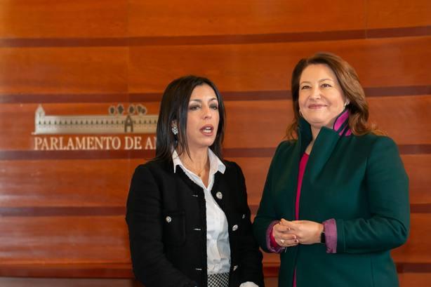 PP-A promete un cambio tranquilo y considera que al PSOE-A le hace falta estar en la oposición