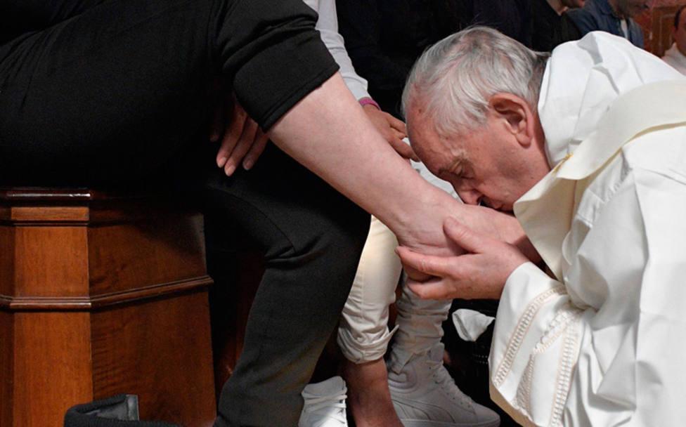 El Papa celebra los Oficios de Jueves Santo en una cárcel