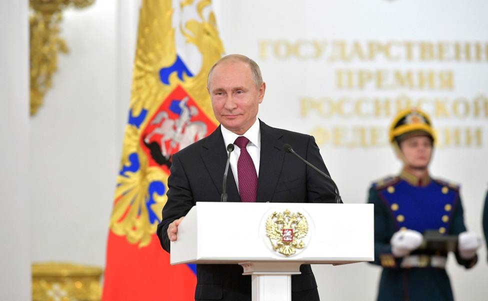 El emir de Kuwait invita a Putin a visitar el país
