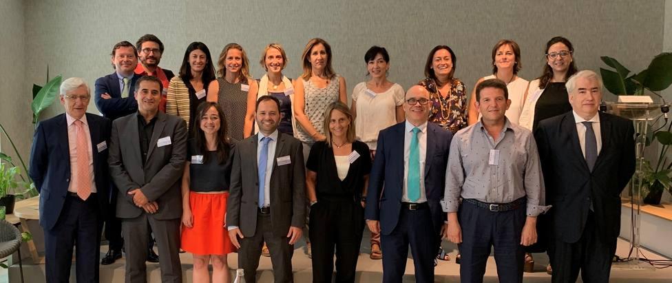 La industria farmacéutica reúne a más de 120 expertos para debatir cómo mejorar los ensayos clínicos en España